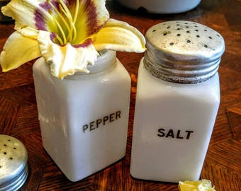Hotpoint Milk Glass Salt and pepper shakers Amazing fun kitchen decor kitchen useage