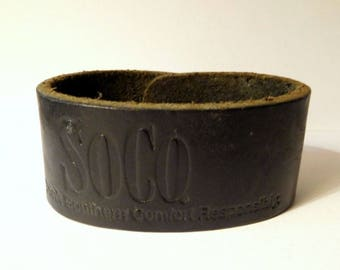 """SOUTHERN COMFORT LEATHER Bracelet - So.Co Logo - Snap Adjustable 6"""" - 7"""" - Cuff - Vintage Jewelry - Advertising, Promo"""