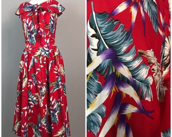 Vintage 1980s Red Feather Novelty Print Sleeveless Hawaiian Tie Dress / Women's Small / 80s Retro Floral Cotton Long Dress Beach