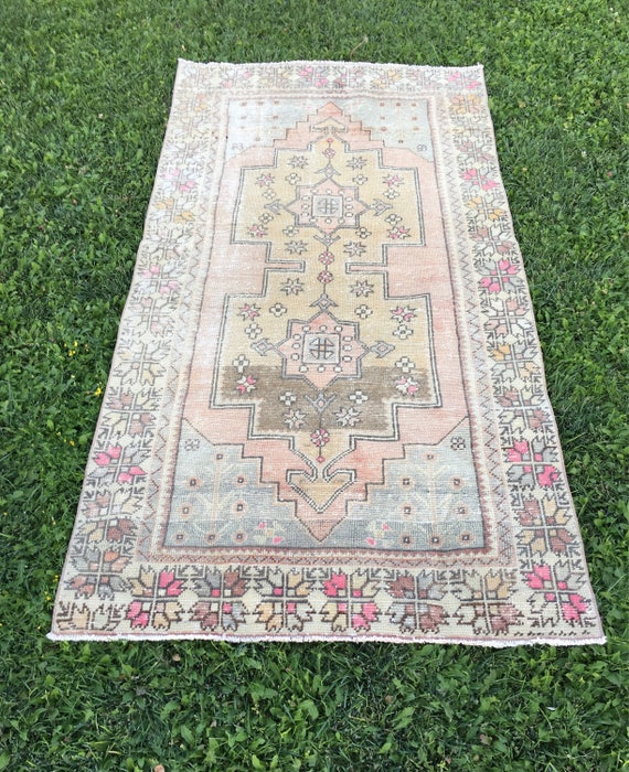 """MUTED OUSHAK RUG with Perfect Pops of Pink,Unusual Tribal Medallion Pattern Foyer Size Vintage Turkish Rug,Entryway Rug 4'2""""x8'"""