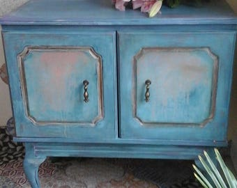 cabinet hand painted in chalk paints