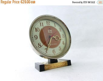 SALE 20% off Vintage alarm clock, Clock made in China 80s, Desk clock, Brown / Gold Alarm clock