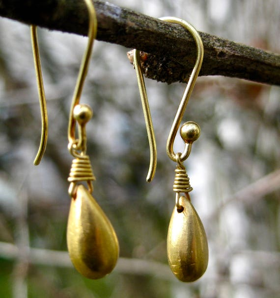 GALENA  18K Solid Gold Teardrop Earrings