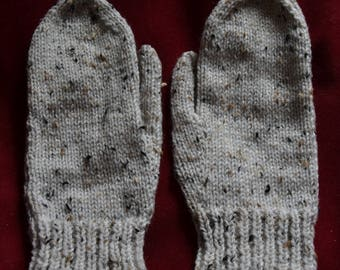 NEW oatmeal fleck hand knitted pair of mittens mitts