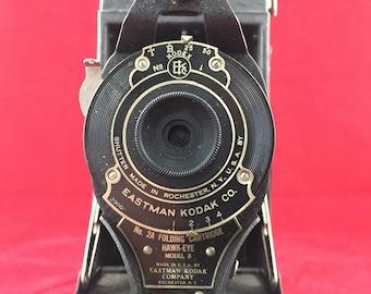 Vintage Folding Kodak Camera No 2A Folding Cartridge Hawk-Eye Model B  photography picture pictures photo photos film folding bellows smile