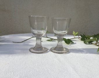 French vintage 2 Paris bistro small glasses early 20th a pair of thick glass Bistrot 1900