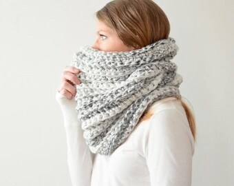 FLASH SALE the HICKORY cowl - chunky ribbed cowl scarf neckwarmer - white marble
