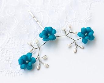 82_Deep blue hair pin, Silver pearls hair pin, Deep blue floral pin, Wedding pearls pin, Silver hair pin for bride, Bridal deep blue flowers