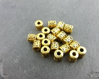 DESTASH 20 gold coloured barrell beads