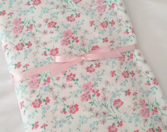 Crib Sheet, Baby Girl Cottage Chic Roses Cotton Fitted Crib Sheet