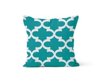 Green Moroccan Quatrefoil Pillow Cover Lattice Trellis - Jade Fynn - Many Sizes Lumbar, 12, 14, 16 - Zipper Closure - sc246l