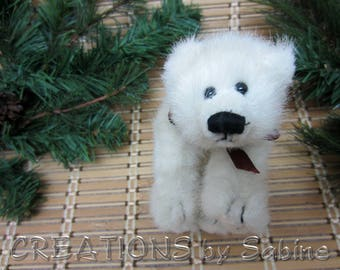 Boyds Polar Bear Ivory TBC #1364 Boyds Collection 1990-98 Stuffed Animal Bears Off White Burgundy Bow Small  Vintage FREE SHIPPING (678)