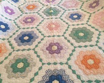 Vintage Grandmas Garden quilt yellow trim bedding