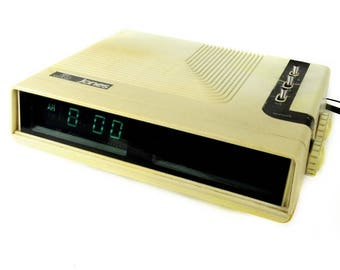 JB Jones ECR37 Vintage Retro AM FM Transistor Radio Alarm Clock