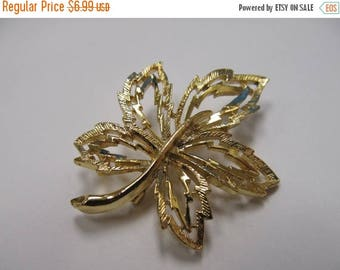 ON SALE Vintage Gold Tone Open Work Leaf Pin Item K # 1857