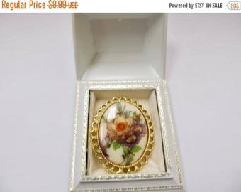 ON SALE Vintage Floral Oval Glass Pin Item K # 2144