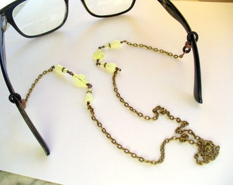 Green Beaded Eyeglass Holder, Reading Glasses Chain, Eyeglass Necklace, Sunglass, Lanyard, Eyewear, Uranium Glass, Antique Brass, Vaseline