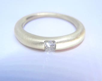 Crescendo 10K Gold Diamond ring