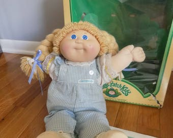 Vintage 1984 Coleco Cabbage Patch Kid's girl - original box, papers and birth certificate- Jeanne Gray