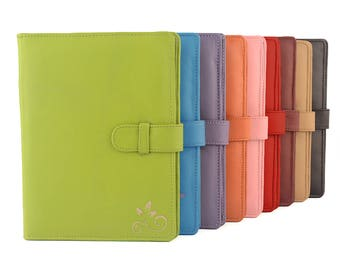A5 Leather PadFolio / Portfolio / Note Pad Holder. Personalized, 2 inside pockets & a Cocoa Paper note pad. Available in different colors.