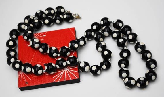 Black and white Polka dot Bead Necklace  - Lucite plastic -Mid Century Mod  - 31 inch long necklace