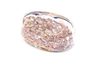 A globe oval 28 mm BEIGE MICA glitter filled glass