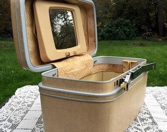 Save 15% OFF Samsonite SilhouetteII/White Train Case/Makeup Case/Samsonite Train Case/Overnight Travel Bag/Retro Craft Storage/ Wedding Deco