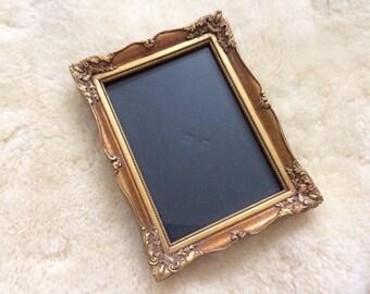 vintage gold ornate picture frame