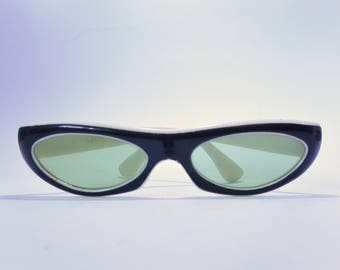 Vintage sunglasses mod by Nilsol retro 60s narrow space