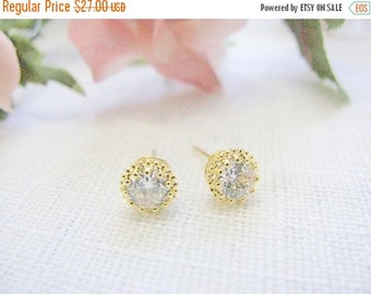SALE - Diamonds studs - Studs Gold - Gold stud earring - Crystal studs - CZ studs - Classic diamond studs - Gold earrings