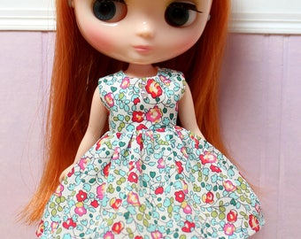 BLYTHE Middie doll Its my party dress - LIBERTY Eloise floral