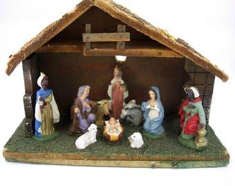 Italian Nativity Scene with Manger, Joseph, Mary, Baby Jesus, Three Kings, and four animals