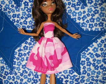 Handcrafted Dress made to fit the original Monster High Dolls  (item J22)
