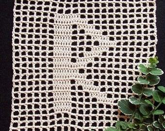 Raidho Rune Filet Crochet Altar Piece - Paths, Transportation, Magic, Cosmic Order, Asatru, Pagan, Spirituality, Wicca, Bitcoin Accepted