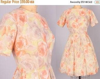 40% SALE 1960s Dress // Vintage Dress pastel floral print // 26 inch waist  (small)