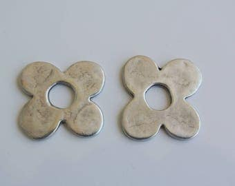 2 spacer silver metal 24mm flower