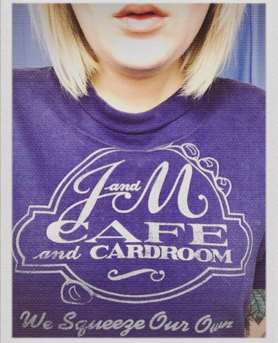 """Vintage J & M Cafe """"We squeeze our own staff"""" Adult Medium Tee 19"""" width 26"""" length"""
