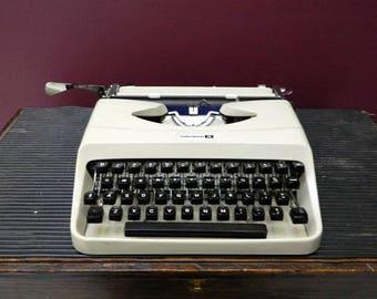 Underwood 18 Typewriter c. 1962, Working typewriter, 1960s typewriter, vintage typewriter