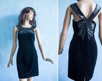Vintage 90s  Vera Mont French Designer Little black velvet bodycon   dress / sleeveless sequin bow embroidery neckline dress/S
