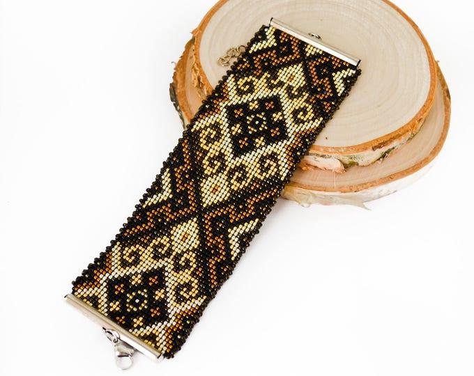 Ethnic Bracelet, beaded bracelet, native bracelet, loom bracelet, Indian bracelet, seed bead bracelet, wide bracelet, Christmas gift, aztec