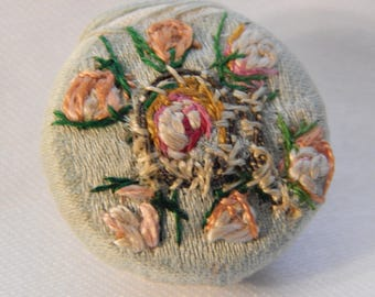 Roses - Fabric Button with hand Embroidery Design