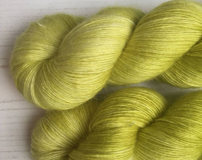 Lime zest - LACE 100grams 100% Superwash merino singles laceweight  wool