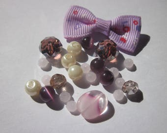 24 glass beads and bow (BB20)