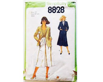 "Vintage 70's Simplicity #8828 Flared A Line Skirt and Single Breasted Jacket Suit Sewing Pattern Size Bust 34"" UK 12"