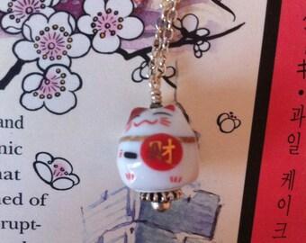 Maneki Neko cat prosperity kawaii necklace