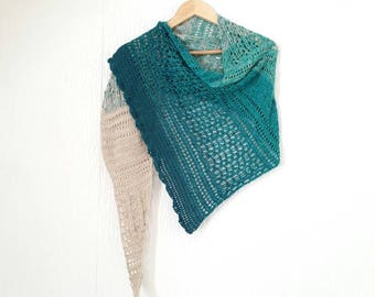 Crochet gradient shawl/scarf. Can be made in any colour