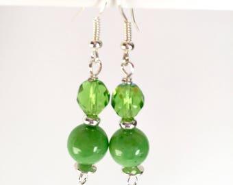 Green dangle earrings - Green earrings - Dangle earrings - Green beaded earrings - Green drop earrings - Green jewelry - Drop earrings