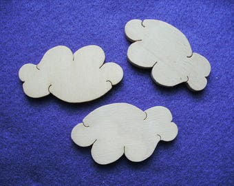 3 clouds, wood, 6 x 3.5 cm  (03-0003A)