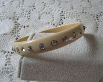Vintage Rhinestone Bakelite Bangle