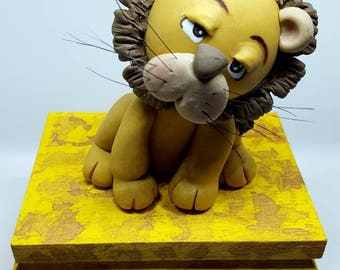 SMALL LION wooden box